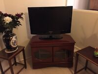 *** REDUCED TO CLEAR *** SAMSUNG LCD TV 32 inches ***
