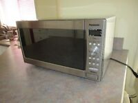 Microwave oven with inverter