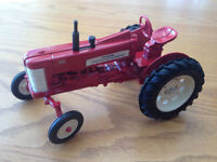 The ERTL Company Collectible Tractors (BRAND NEW)