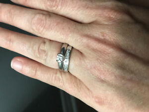 Birks engagement ring 0.32 carats includes wedding band. Sz7