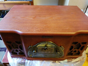 New Electrohome Winston Vinyl Turntable MP3 AUX FM Wood Stereo