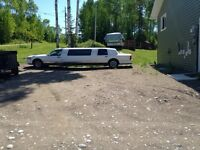 1995 Lincoln limo (PRICE REDUCED 1800)