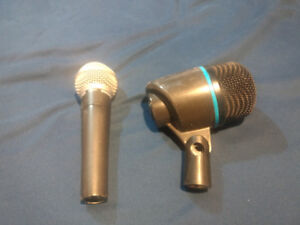 Microphones Shure SM58 and Apex 125