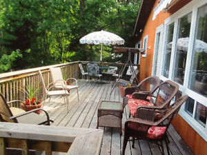 Spacious waterfront Cottage just 90 minutes from Ottawa!