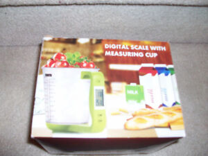 Digital Scale with Measuring Cup