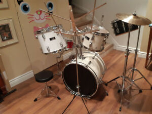 DRUM SET – Pearl,  Dana, Maxwin Great Condition    $295.00