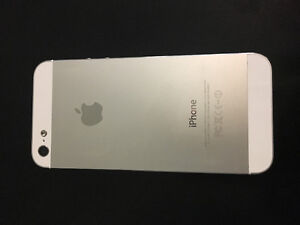 Like new, iPhone 5 London Ontario image 2