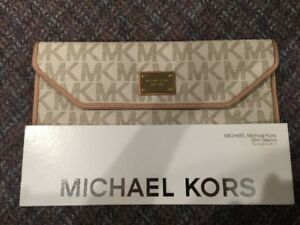 MICHAEL KORS White Case For 11inch MacBook/Laptop - Pretty NEW
