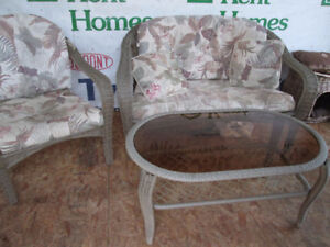 4pc Wicker Patio Set **** Sold ppu Friday***
