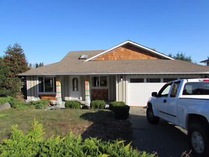 North Nanaimo - 4 bed/3 bath - Huge Bonus Room - 4340 Gulfview