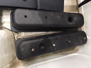 Small block sbc Chevy valve covers