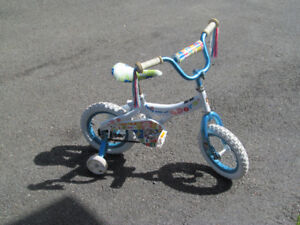 For Sale girls Dora bicycle with training wheels 20.00
