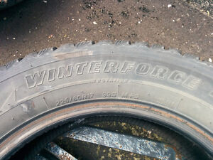 4 Winterforce 225/60R17 Studded