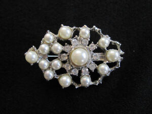 Oval Shaped Pin Costume Jewelry Brooch