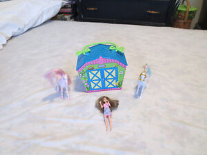 Breyer Stable/Polly Pocket doll Play set