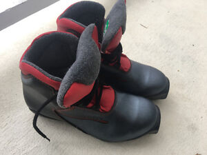 Salomon Youth Size 5 Nordic Boots
