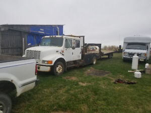 Crew Cab low profile Int. Toy hauler with flat deck trailer