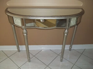 WHAT A DEAL FOR THIS BEAUTIFUL SILVER MIRRORED TABLE(CASH)