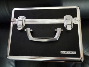 Cool  Makeup/toiletry case