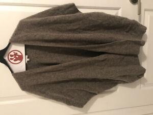 b7a199576988a Aritzia Community cape sweater