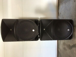 2 powered speakers thump from Mikie