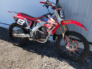 2008 Honda CRF250R totally customized only 7 hrs like NEW