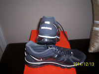 WOMANS NIKE RUNNERS / TWO STYLES / BRAND NEW