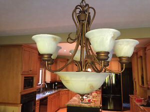 9 light- large chand. Excellent cond. London Ontario image 4