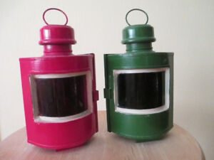 Home Decor - Red & green boat oil lamp set