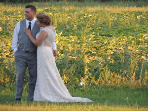 Selling a beautiful ivory lace wedding gown