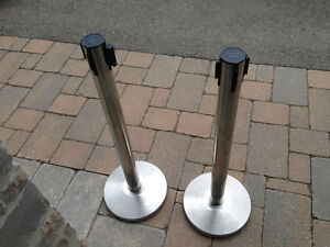 PAIR OF TENCILE POLES SYSTEM CONTROL BARRIER