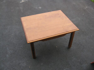maple coffee end table 23 x 28 inches, 16 inch high