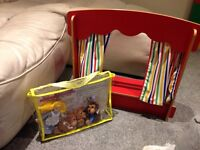 Puppet Theatre with Goldilocks and The Three Bears finger puppets