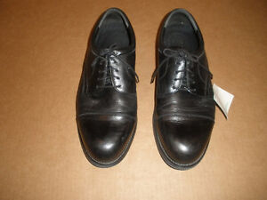 HUNTER'S BAY Black Laced Shoes  Size 13