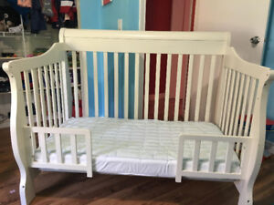 Bily Sleigh Crib/Toddler Bed White