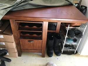 Kitchen table with small wine wardrobe