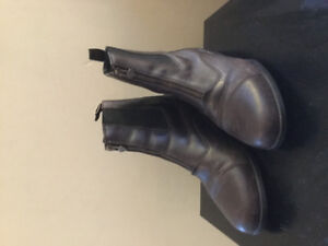 Ariat dark brown paddock leather boots size 9