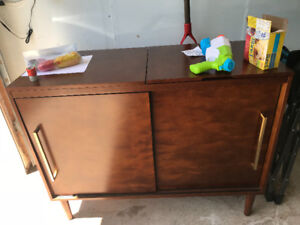 Crosly Record Player Cabinet
