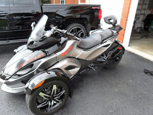 Show room condition Can Am Spyder RS S