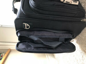 Selling a computer combination suitcase. Excellent condition.