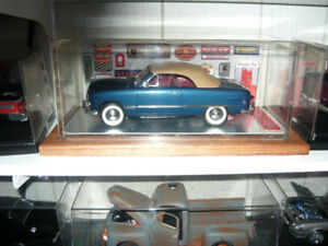 """Missig Antenna""  1:18 die cast 1949 Ford in show case p/u only"
