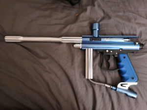 Paintball gun and mask
