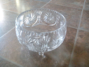 Pin wheel crystal bowls