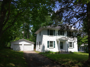 4-bedrooms, single house w/ double garage for rent in Deep River