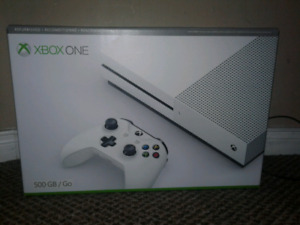 Xbox One S 500GB Edition console