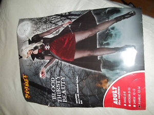 wanting to sell goth/vampire halloween costume size XL 12-14