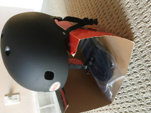 Bell adult sports helmet