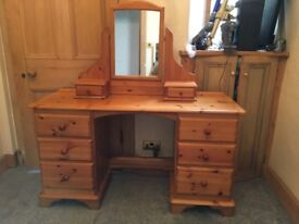 Lovelace Solid pine Dressing Table