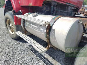 1995 Volvo ACL White GMC fuel tank