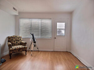 Cozy, Clean, Centrl 2 Bed for March 15 in Hull, main bus route